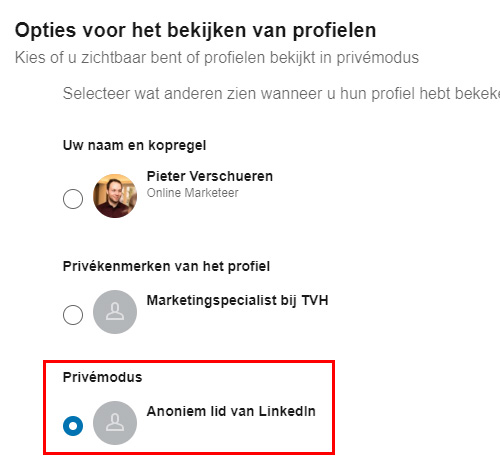 Selecteer privémodus op LinkedIn om anoniem andere profielen te bekijken.